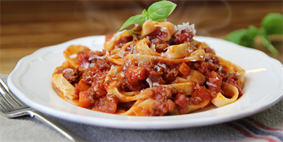 how to make bolognese sauce with tomato puree